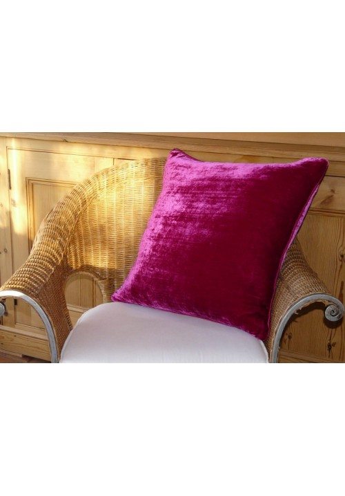Cushion Silk Velvet Magenta